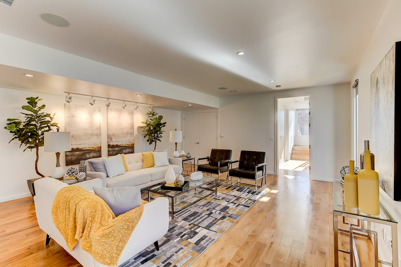 Denver Home Staging: Just a mellow yellow family room